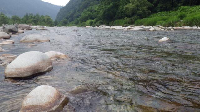 鮎釣りの川
